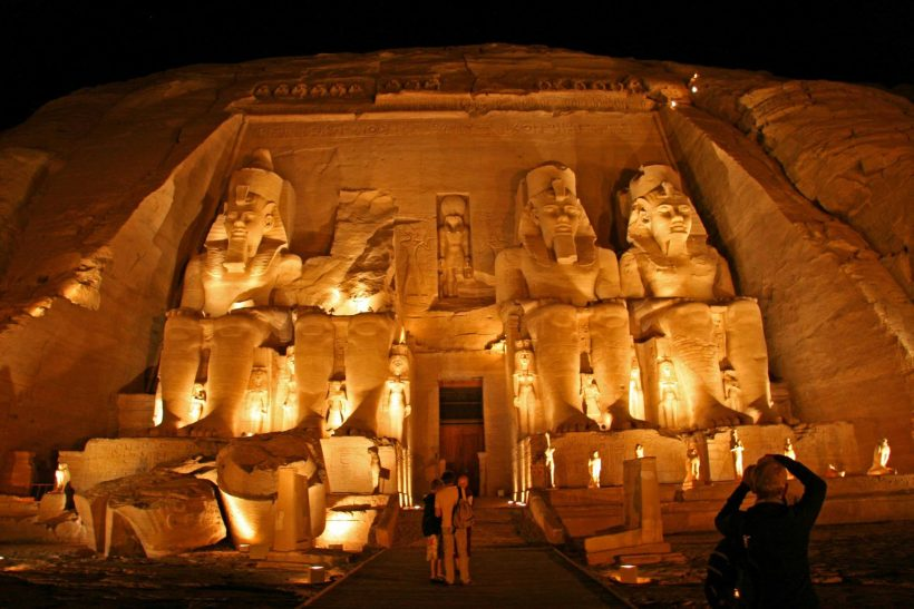 Private Tour: to Abu Simbel Ramesses II & Queen Nefertari Tempels